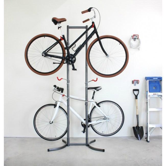 Standing bicycle rack
