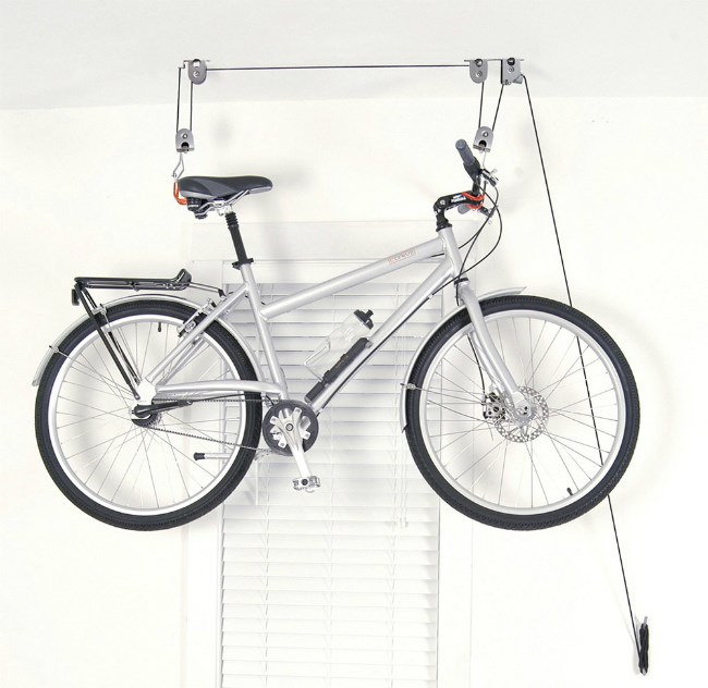 Hoist for bicycle