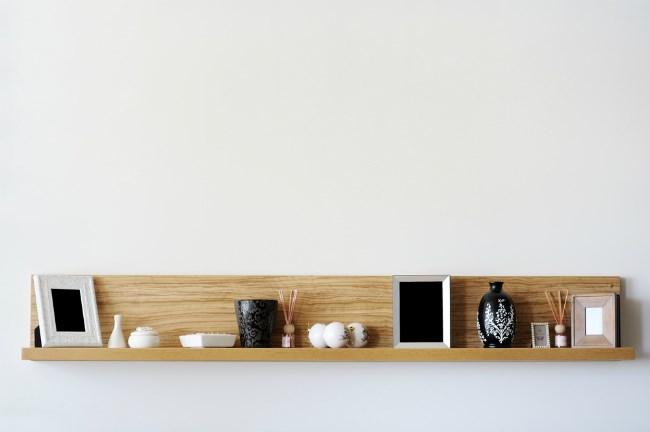 Floating shelf of art