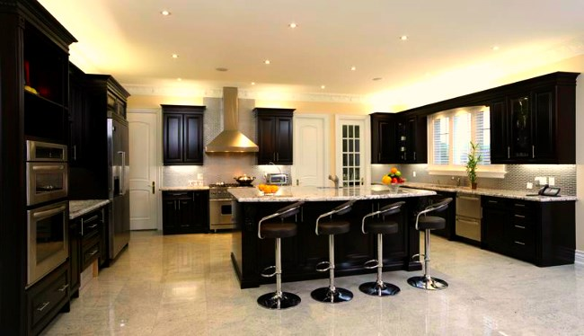 Clean and sparkling black and white kitchen