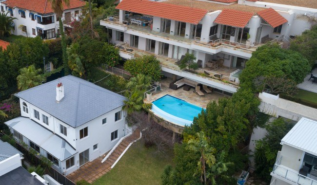 four-bedroomed villa in Clifton