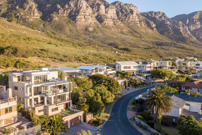 6 Bedroom House in Camps Bay