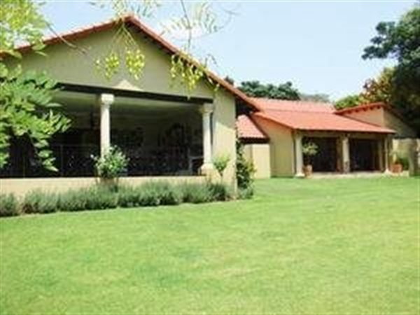 4 Bedroom House in Bryanston photo number 0
