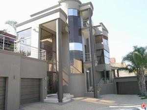 4 bedroom house in Bassonia photo number 0