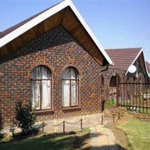 4 Bedroom House for sale in Fochville | T563452