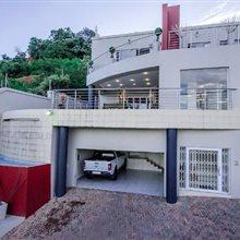 3 bedroom cluster for sale in Glenvista | T242927