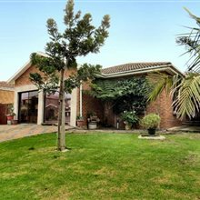 3 bedroom house for sale in Protea Heights | T156827