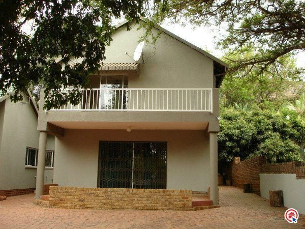 4 Bedroom House in Florauna photo number 1