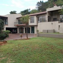 5 Bedroom House for sale in Glenvista | T239176