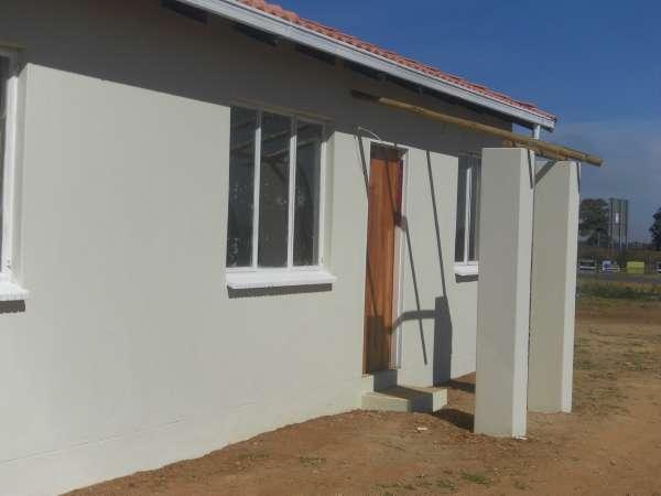2 bedroom house in Protea Glen photo number 0