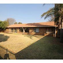 3 Bedroom House for sale in Glenvista | T435336