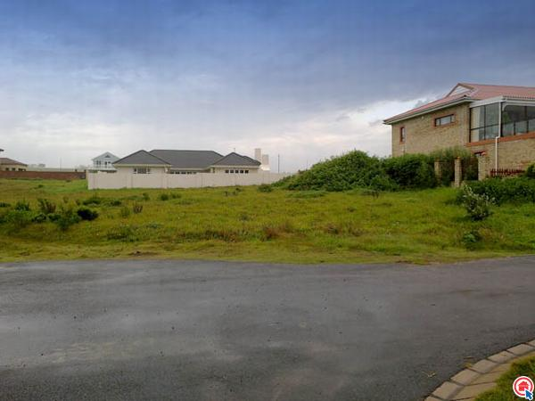 1197 m² land available in Kidds Beach photo number 0