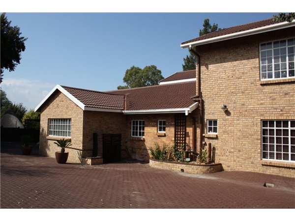 8 bedroom house in Vaal Marina photo number 0