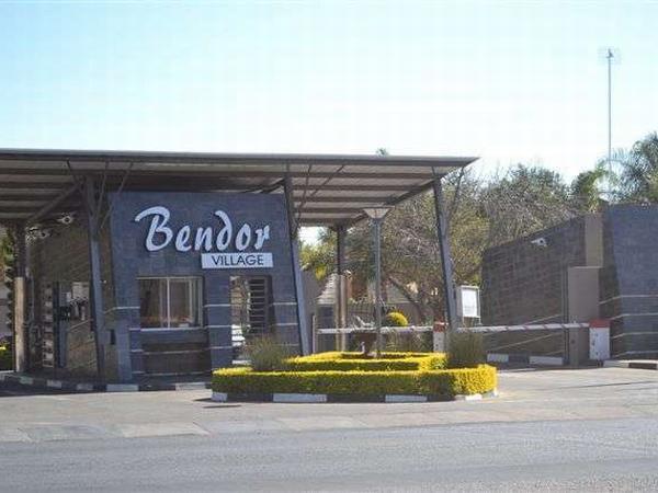 3 bedroom house in Bendor photo number 0