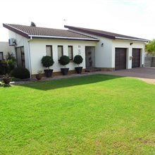 4 bedroom house for sale in Protea Heights | T275594