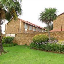 2 Bedroom Townhouse for sale in Glenvista | T673622