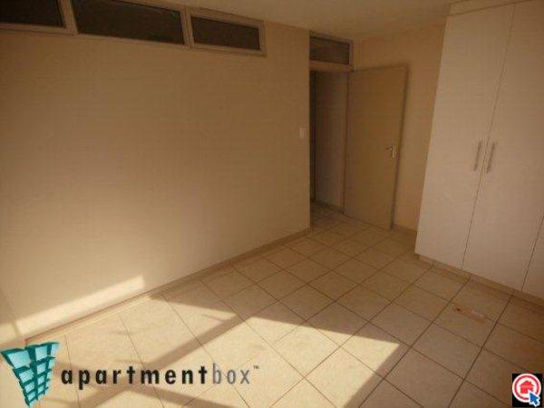2 Bedroom Apartment in Durban CBD photo number 4