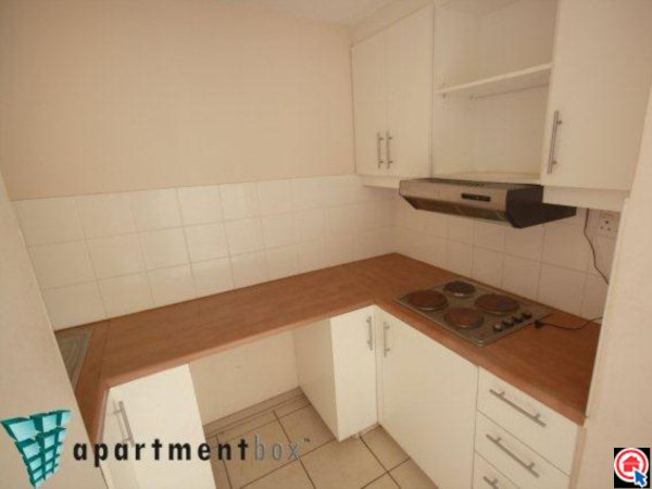 2 Bedroom Apartment in Durban CBD photo number 4