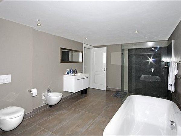 1 bedroom apartment in Sandown photo number 0