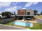 5 bedroom house in Summerstrand photo number 1