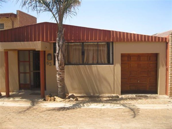 2 Bedroom House in Bronkhorstbaai