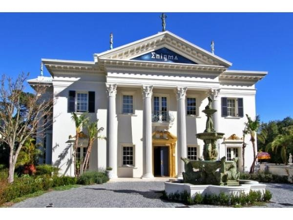 6 bedroom house in Camps Bay photo number 0