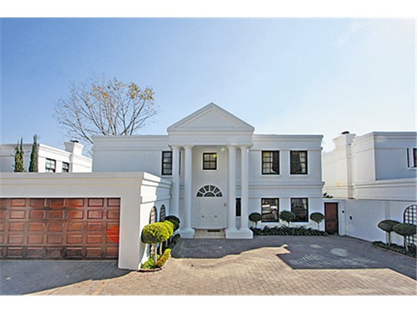 4 bedroom townhouse in Bryanston photo number 0