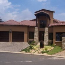 4 bedroom house for sale in Glen Erasmia | J5674