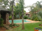 4 bedroom house in Klerksdorp photo number 4