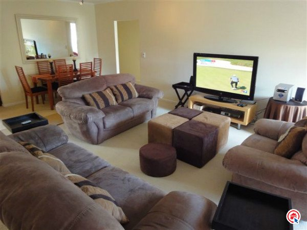 3 bedroom apartment in Century City photo number 0
