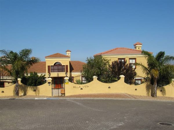 7 Bedroom House in Plattekloof photo number 0
