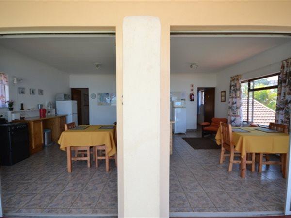 7 Bedroom House in Umtentweni photo number 23