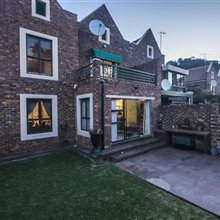 3 Bedroom Townhouse for sale in Glenvista | T964653