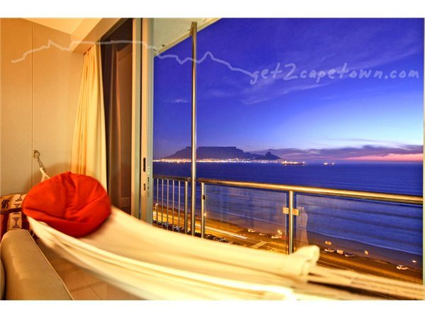 2 Bedroom Apartment in Bloubergstrand photo number 0