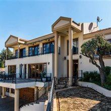 6 Bedroom House for sale in Glenvista | T272996