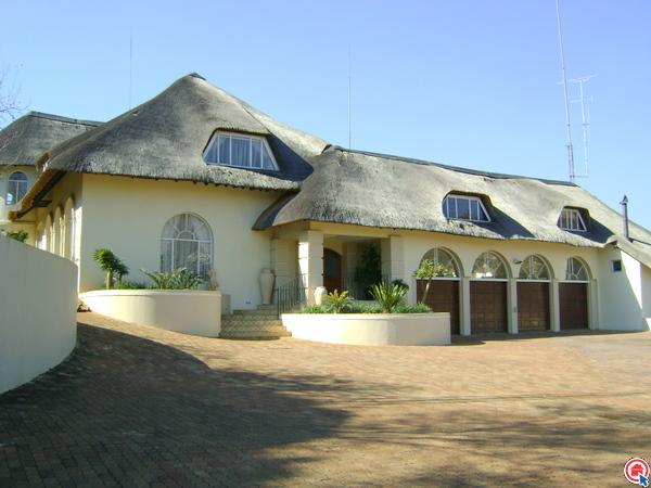 6 bedroom house in Ruimsig photo number 0