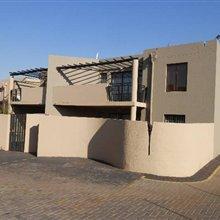 2 bedroom house for sale in Glenvista | T106420