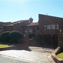 3 bedroom house for sale in Glenvista | S716225