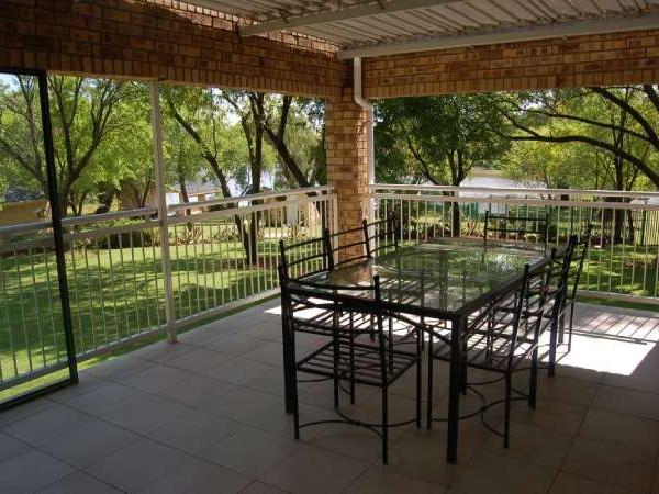 4 bedroom house in Vaal Dam photo number 0