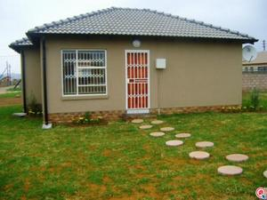 2 bedroom house in Soweto Central photo number 0