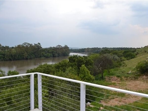4 bedroom house in Vaal River photo number 0