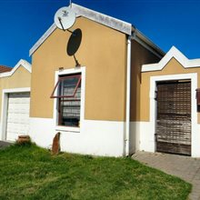 2 bedroom house for sale in Vredekloof East | T199917