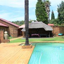 4 bedroom house for sale in Glenvista | T265940
