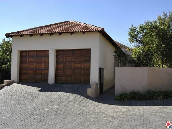 3 Bedroom simplex in Kyalami Hills Ext4