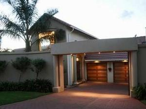 4 bedroom house in Glenvista photo number 0