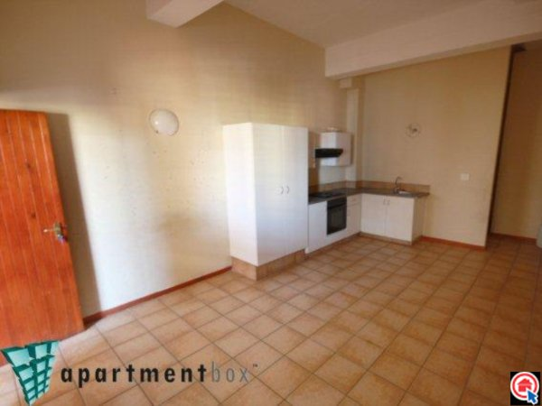 Bachelor flat in Durban CBD photo number 1