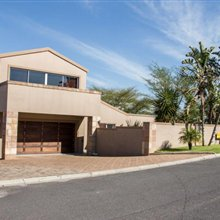 3 bedroom house for sale in Protea Heights | T106650
