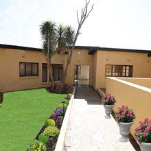 5 Bedroom House for sale in Glenvista | T489500