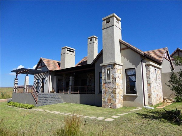 3 bedroom house in Dullstroom photo number 0