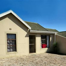 2 bedroom house for sale in Protea Village   T228363